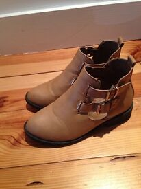 Girls size 3 River Island boots