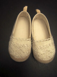 Toddler White Shoes Size 22 - $10