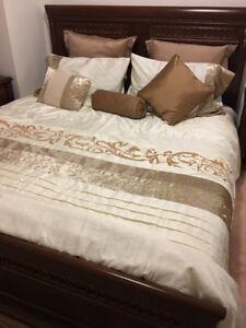Elegant King-size bedroom set - complete