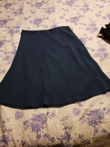 """MINT CONDITION - """"Ingenuity """" TEAL Crepe Skirt"""
