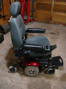 MERITS Power Wheelchair P326A Mid-Wheel Drive Moose Jaw Regina Area image 2