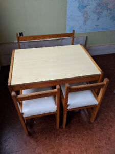 Kids table and chair/bench set