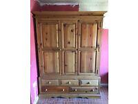 Pine Triple Door Wardrobe