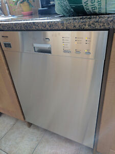 MIELE STAINLESS STEEL DISHWASHER FOR SALE!
