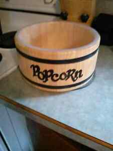 Wooden popcorn bowl with plastic insert Peterborough Peterborough Area image 1