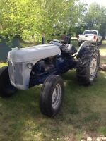 Vintage 8 end ford tractor
