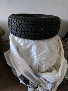Avalanche X-Treme Winter Tires, 215/60/16. Like new. $350 OBO