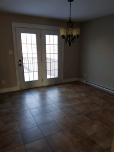 Free Months rent -Magnetic Hill Estates - Duplex