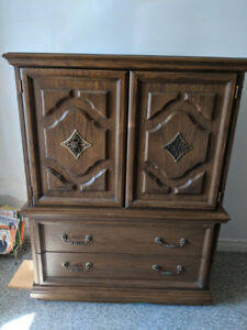 Dresser - Solid Wood 5 drawers