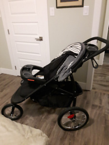 Graco 3 in 1 Stroller, Car Seat and Baby Carrier