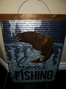 OUTDOOR DECOR SOLID METAL GON FISHING HANGING SIGN