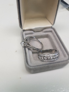 Stunning Engagement/Wedding Ring Combo w/Appraisal Letter
