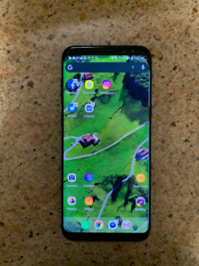 Mint Condition Galaxy S8+, Includes 3 Cases and Samsung Gear VR