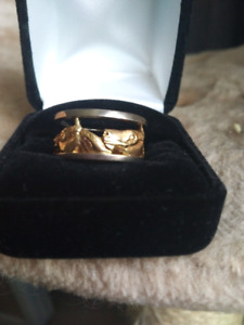 18 kt new horse ring