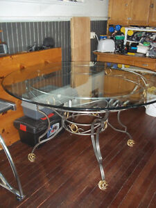 Round dining table+four chairs