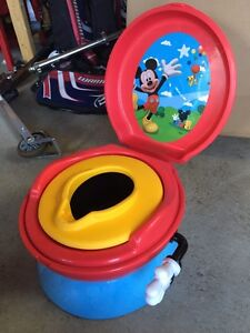 Petit pot The First Years - Mickey Mouse 3 en 1