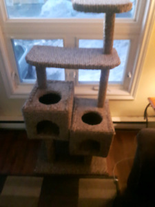 Large, cat scratch  post only bought it for the cats  this Chris