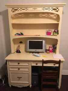 Bureau et huche collection Kate and Ashley Olsen