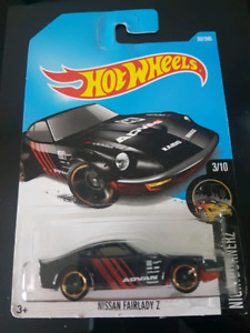 Hot wheels Nissan Fairlady Z Black or Red