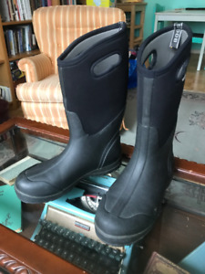 BOGS Mens Boots - Size 12 (great condition)
