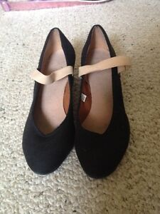 Character Shoes size 4.5