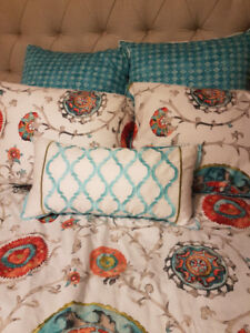 Queen size Duvet Cover and Pillow Shams