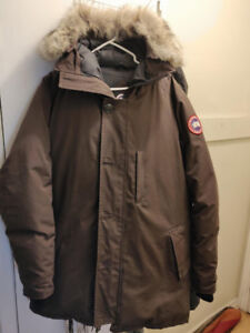Canada Goose Chateau Parka(XL). Used. New fur hood + Cuffs