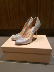 Prada pumps - worn once - 6.5
