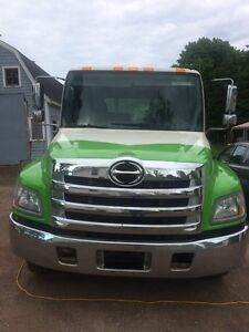 2012 hino 258 tow truck flatbed