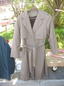 WOMENS TRENCH COAT Kitchener / Waterloo Kitchener Area image 1