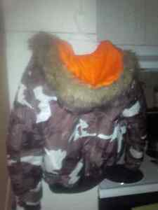 black grey & white unisex camo jacket with fur hood Cambridge Kitchener Area image 2