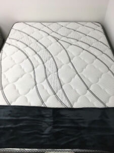 Queen Mattresses/Accessories
