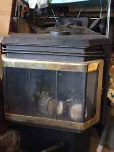 Gravity feed oil stove