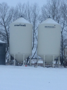 Fertilizer bins