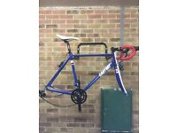 Road frame and groupset
