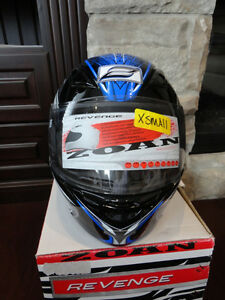 Zoan Revenge Helmet Size XS Blue w/4 Visors Included!! Brand New Kitchener / Waterloo Kitchener Area image 4