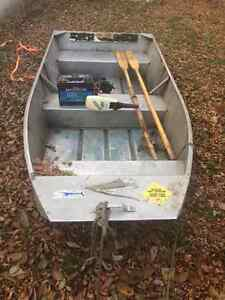 10ft aluminum boat with trolling motor