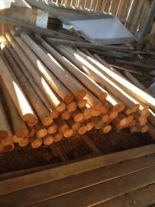 Poteaux de cèdre tournés, plusieurs formats