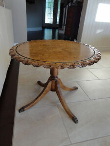 Beautiful Grained Vintage Brass Clawfoot Table w/Scalloped Edge Kitchener / Waterloo Kitchener Area image 10