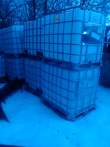 WANTED   1000 L. OR 1200L OR 500L Tanks