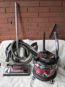 MAJESTIC FILTER QUEEN TRIPLE CROWN VACUUM CLEANER