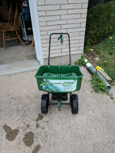 Scotts push lawn spreader
