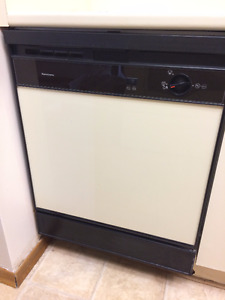 MUST GO! Kenmore Built In Dishwasher pick up asap