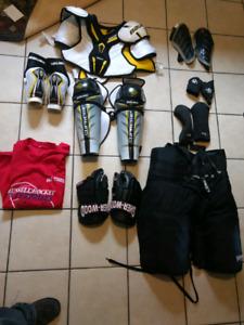 Mens Lrg hockey gear - nearly new