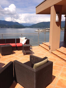 Magnificent Property On the Water on 3 levels with cottage /deck North Shore Greater Vancouver Area image 2