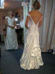 WEDDING GOWN ALTERATIONS - CUSTOM SEWING GREENBANK Kawartha Lakes Peterborough Area image 6