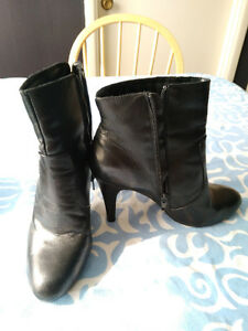 Size 8 boots - multiple pairs