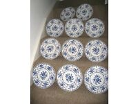 11 VINTAGE Johnson Brothers Blue White 'Indies' Pattern Plates
