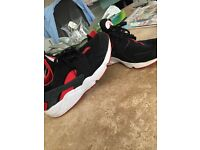 Size 10 Black and red huaraches