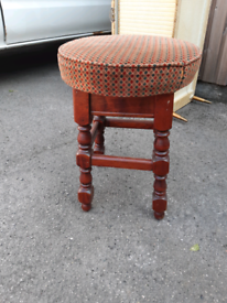 Pub bar stool